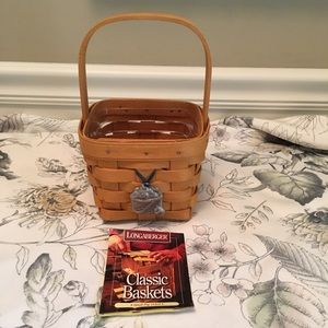 Longaberger small peg basket